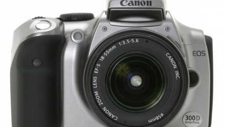 Read Canon Celebrates 14th Year at the Top of the Global Interchangeable Lens Camera Tree