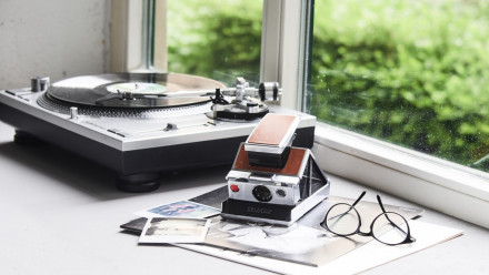 Read The Polaroid SX-70 Turns 45