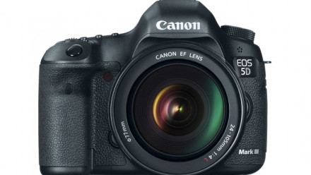 Read Bag a Canon EOS 5D Mark III Black Friday Offer & Winter Cashback