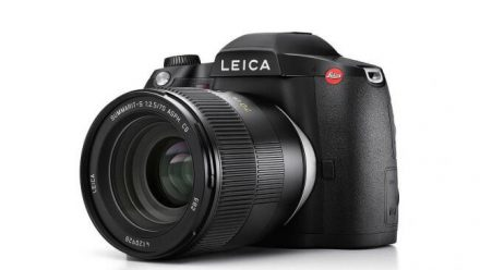 Read Leica Announces 64MP S3 Medium Format Camera