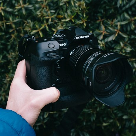 PhotoBite - Hands On: Olympus OM-D EM-1X – The Underdog of Dual-Grip Cameras?