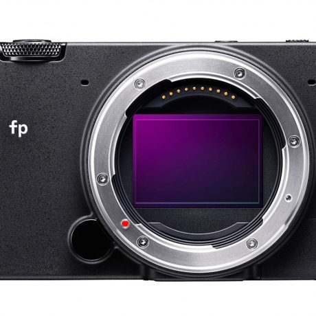 PhotoBite - Sigma fp Unveiled: a full-frame Mirrorless Video/stills Camera That Fits In Your Pocket