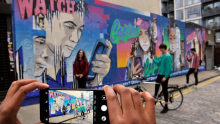Read Honor Shines a Light on Mobile use with London Graffiti Installation