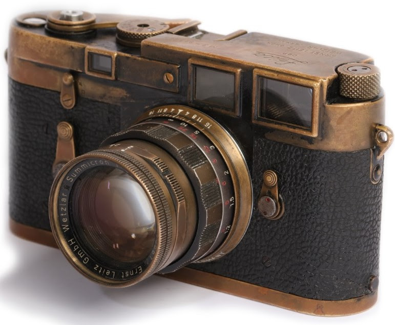 Leica M3 auction