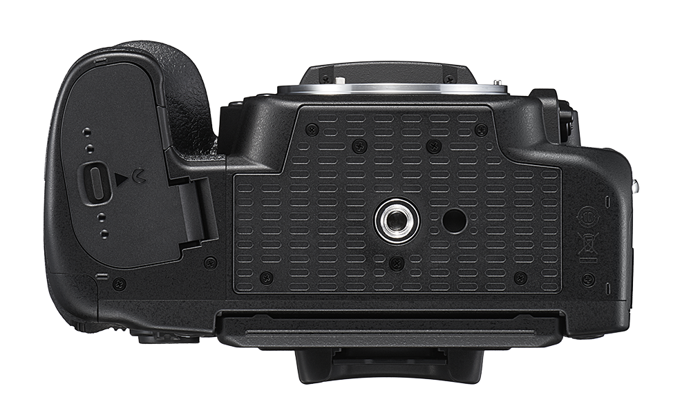 Nikon D780 bottom