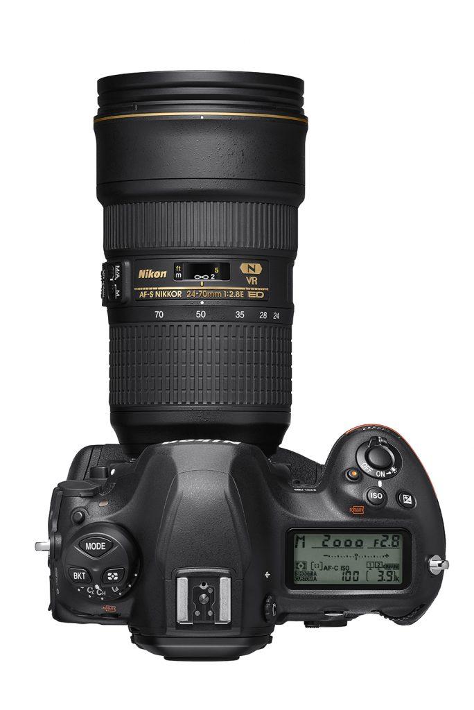 Nikon D6 top