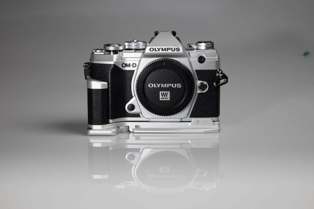 STC Fogrip Olympus OM-D E-M5 Mark III front