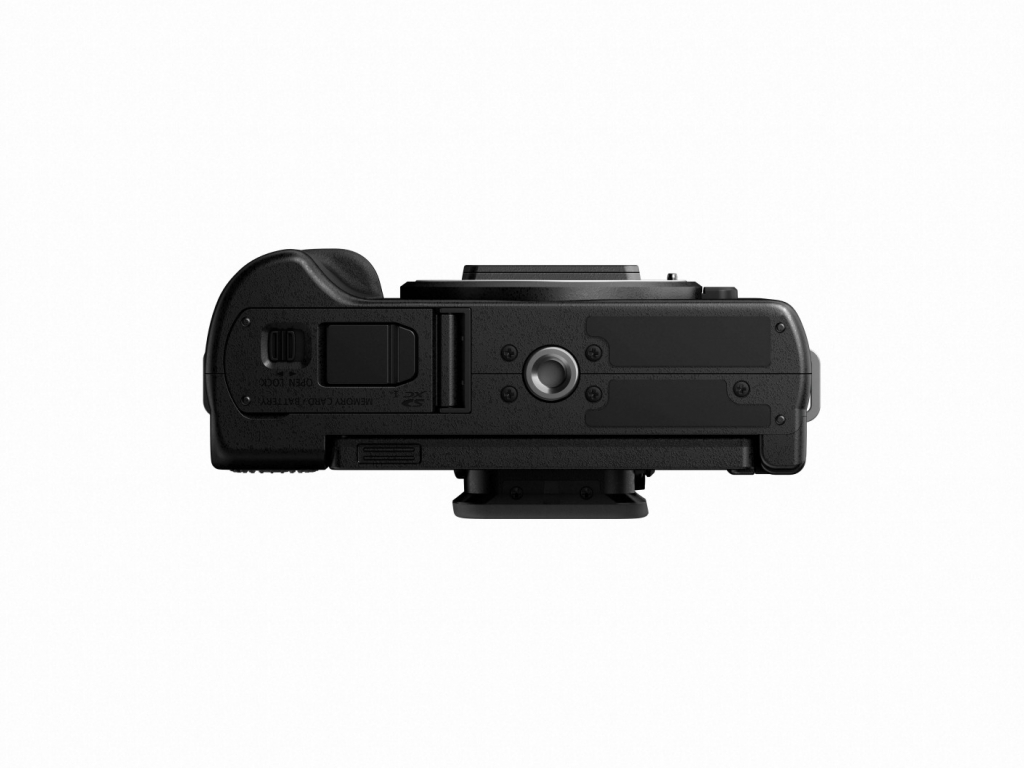 Panasonic LUMIX G100 body (G100EB-K) bottom