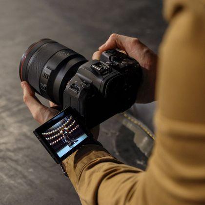 Canon R6 on Location