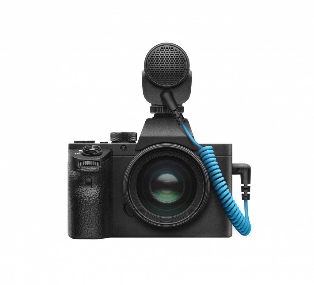 Sennheiser MKE 200 on camera