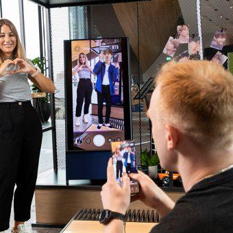 PhotoBite - Fancy a [Virtual] Selfie with K-Pop Kings BTS?