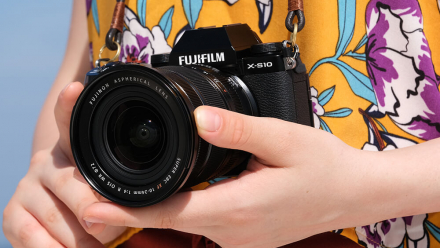 Read Fujifilm X-S10 Mid-Range Mirrorless Digital Camera Lands