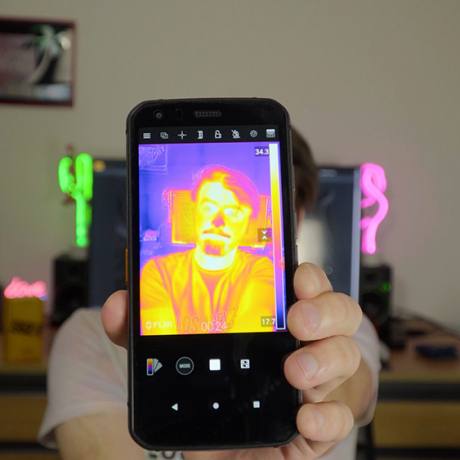PhotoBite - CAT S62 Pro: The 'Indestructible' Smartphone with Thermal Camera Built In!