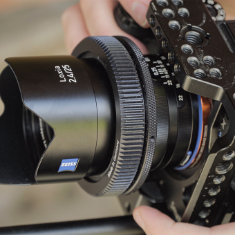 PhotoBite - The Zeiss Loxia Crew Go Under Review!