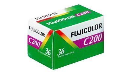 Read Fujifilm Fujicolor C200 – 35mm Film